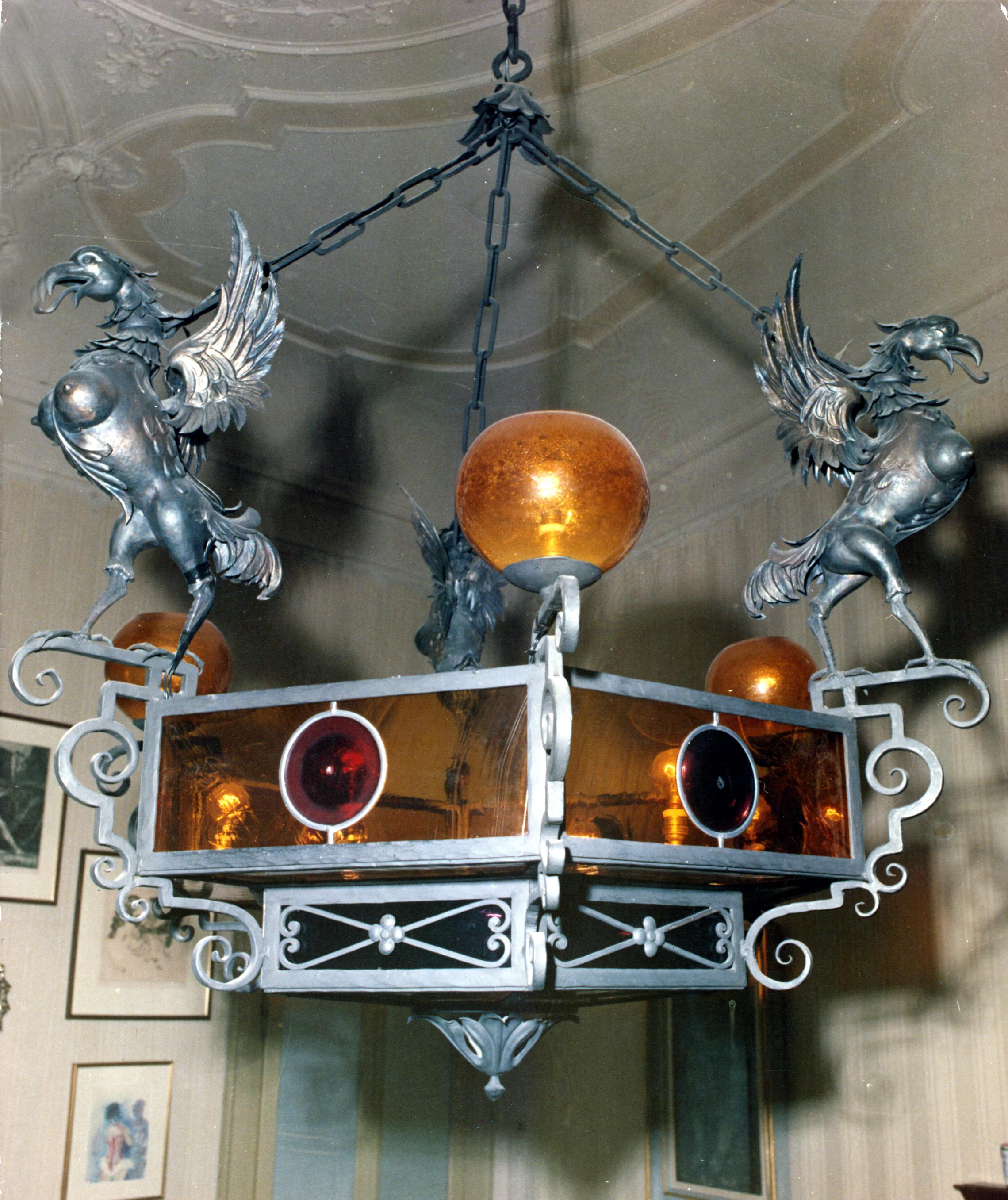 """""""Lampadario con Grifoni"""" Realizzato per l'abitazione del pittore Prof. Federico Bellomi su proprio disegno"""